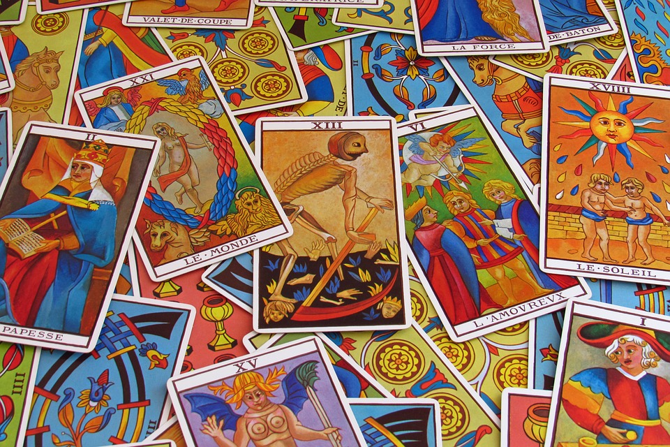 Featured image for Tarot Guide: History, Decks and Most Popular Tarot Readers
