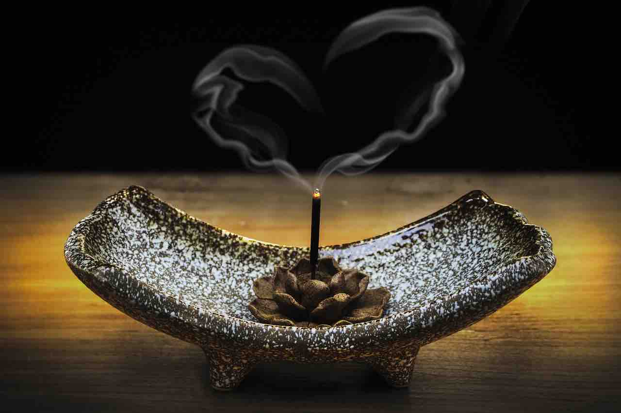 Featured image for How to Make Incense with Fresh Flowers and Herbs